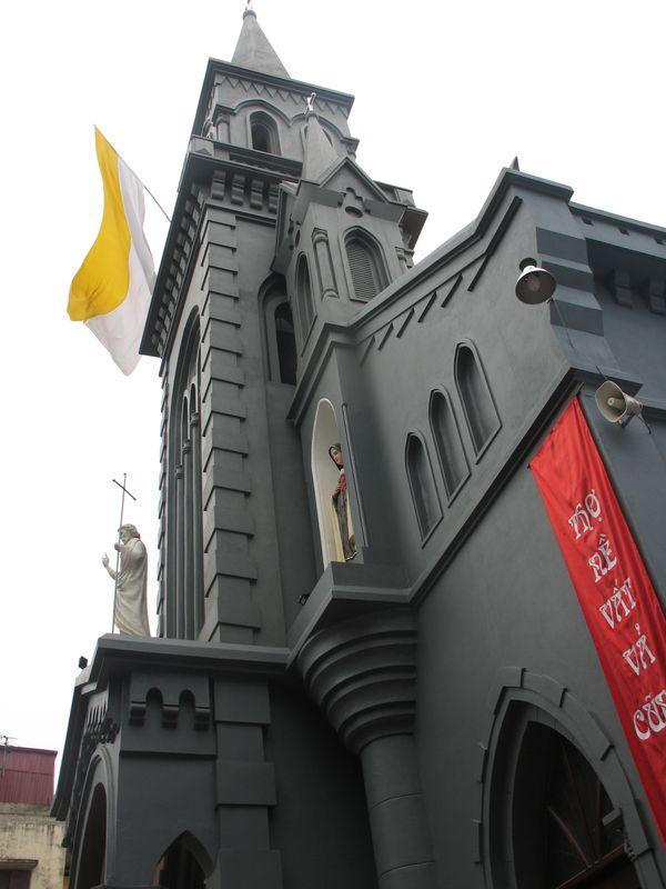 nhà thờ giáo họ trung trí