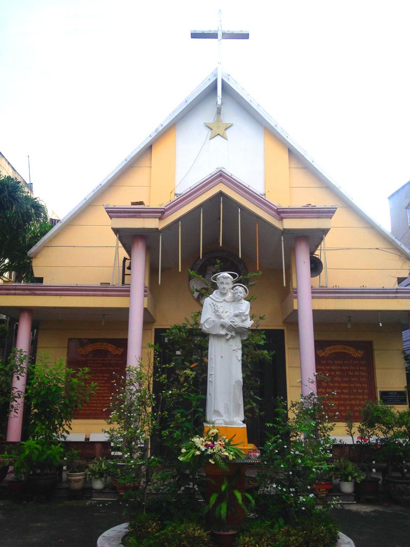 Nhà thờ thánh anton giáo xứ xóm chiếu